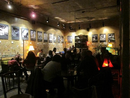 Szimpla Kert:                   bar & drinking room w/food