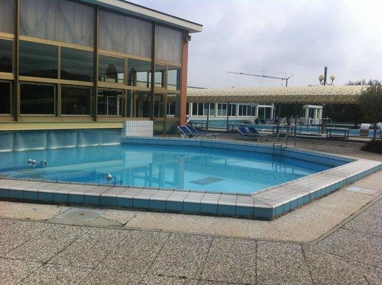 Piscina termale piccola foto di hotel terme antoniano - Piccola piscina ...