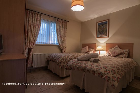 Gilgiven Cottages : Rose Cottage - Twin Room