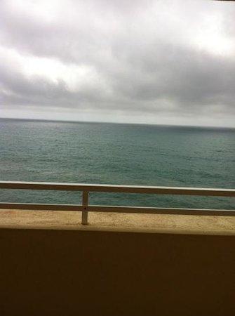 Marina Elite :                   utsikten på en litt skyet dag