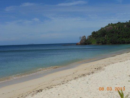 Mana Island Resort:                   North Beach