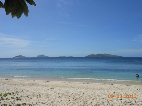 Mana Island Resort:                   Sunset Beach