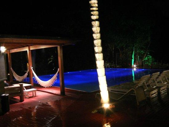 La Cantera Jungle Lodge:                   Pool at Night