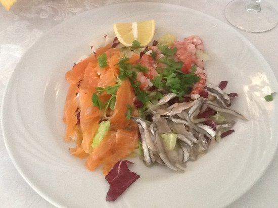 Malvasia : Il marinato di salmone gamberetti e acciughe