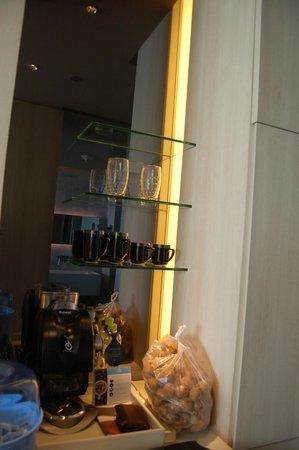 Hilton Pattaya:                   Inside room