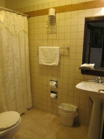 Inn at 2nd & C:                   Bathroom
