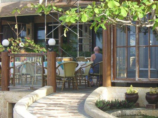 Cebu Marine Beach Resort: Restaurant