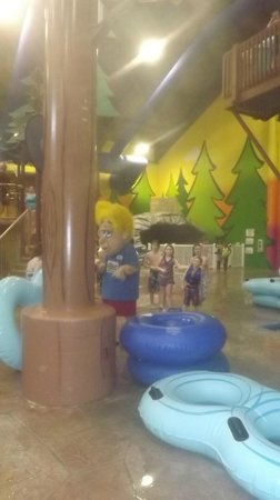 Holiday Inn Dundee - Waterpark:                   rex the mascot