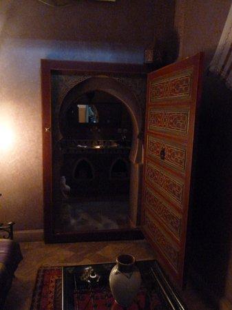 Riad Libitibito :                   view to bathroom