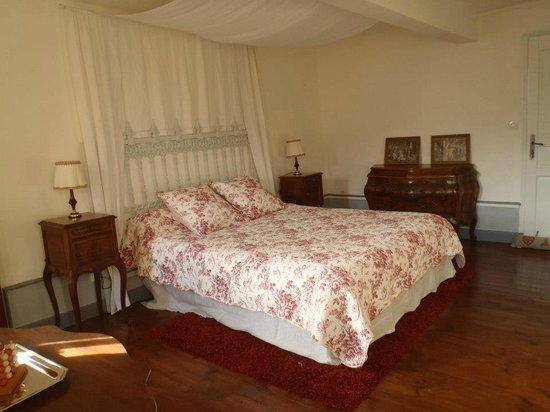 """Le Refuge des Chevaliers:                                                                         chambre """"french"""""""
