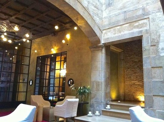 Hotel Neri Relais & Chateaux:                   lobby