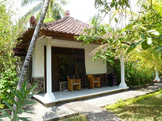 Rini Hotel:                   bungalow