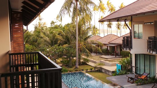 Centra by Centara Coconut Beach Resort Samui:                   pool site looking east
