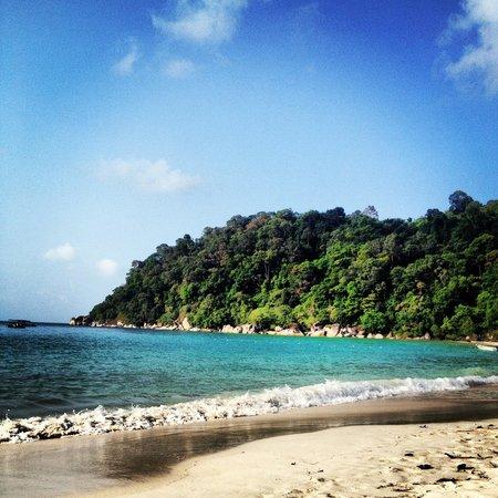 Perhentian Island Resort:                   Palau Besar