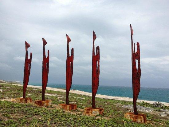 Nautibeach Condos:                   Sculpture garden