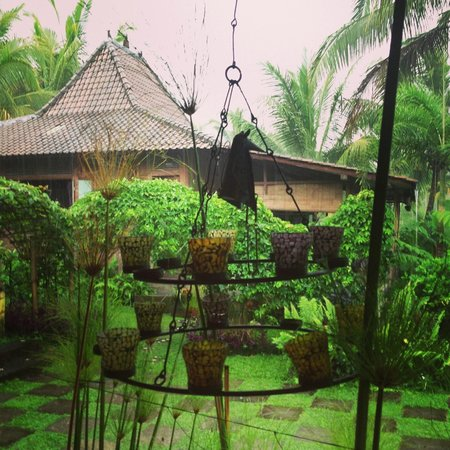 Hati Padi Cottages:                   Decorations at the restaurant