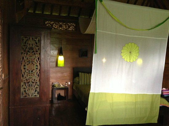 Hati Padi Cottages:                   The bed in our room