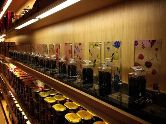Fauchon:                   Tea selection in their shop across the road
