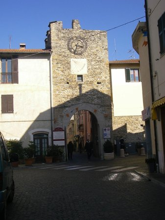 Salvia & Rosmarino B&B:                   villanova d'albenga