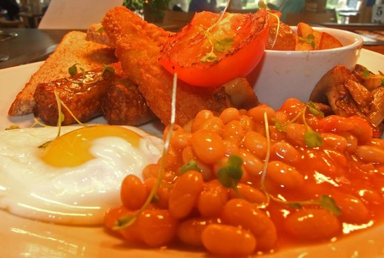 Oriel Y Parc Cafe: Our breakfast only £6 with beverage and toast...