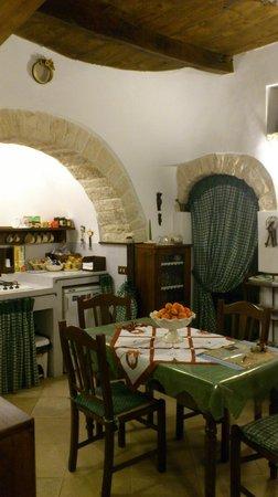 Miratrulli Suites:                   ダイニングテーブル