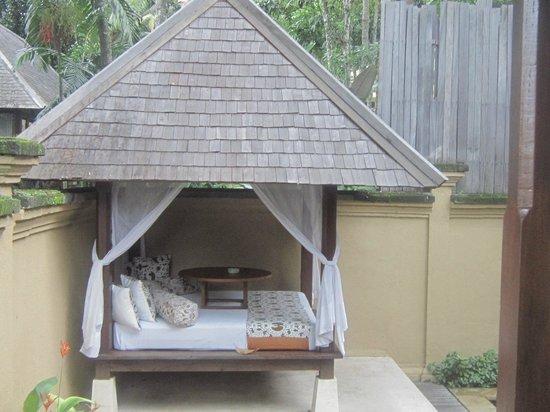 Komaneka at Tanggayuda:                   day bed cabana