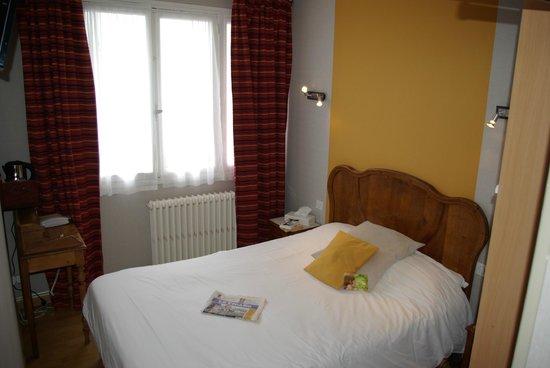 Sainte-Adresse, Pháp: Chambre confort de l'hôtel des Phares à proximité de la plage