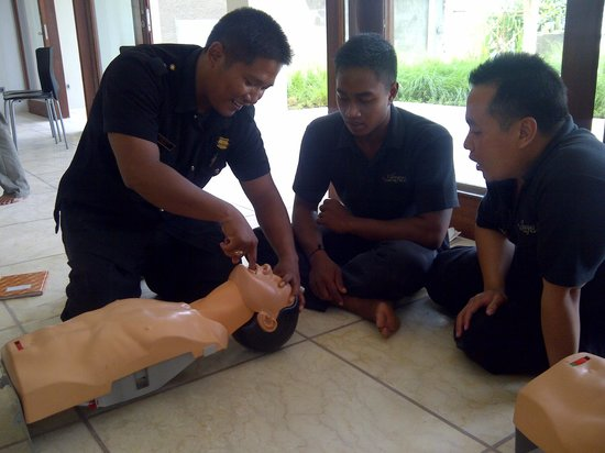 Anapuri Villas: Villa Staff - First Aid and CPR Training