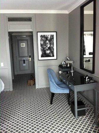 54 on Bath:                   disimpegno della camera