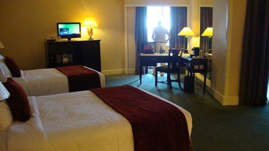 Radisson Blu Hotel, Dubai Deira Creek:                   Bedroom