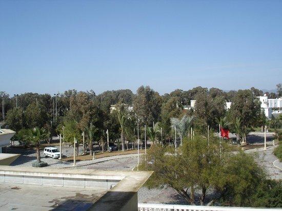 Medina Belisaire & Thalasso:                                                       Parking entrée principale - Nord/ouest