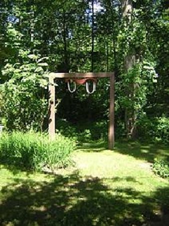 Yankee Trail Motel: Nature trail