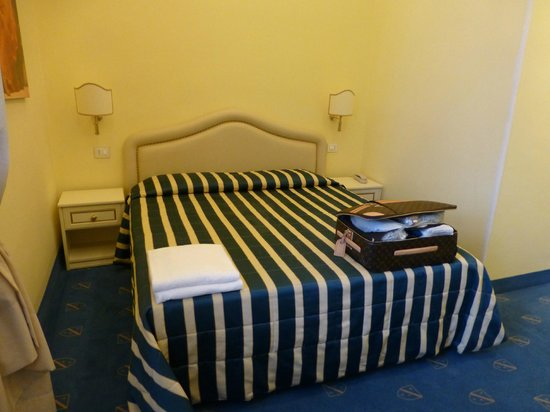 Hotel Navy: letto