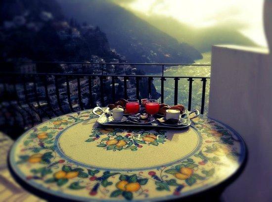 Hotel Villa Franca:                   colazione vista mare