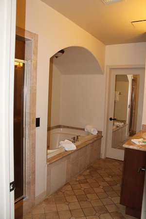 Andreas Hotel & Spa:                   Room 106 - Bathroom