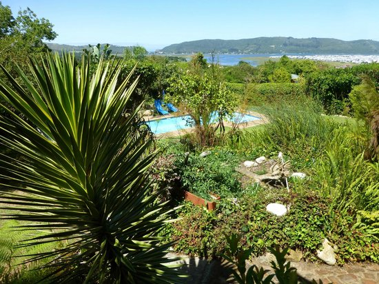 Footprints of Knysna:                   Amazing views of the lagoon
