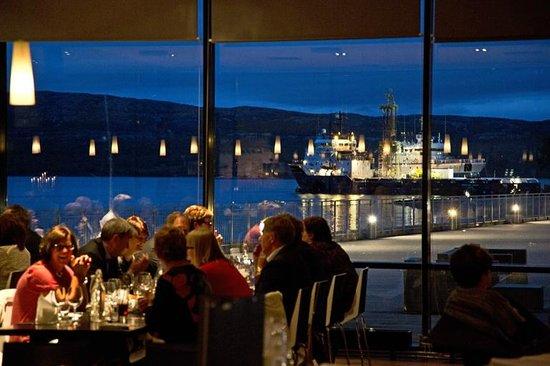 Thon Hotel Kirkenes Restaurant :                   Dining at Thon Hotel Restaurant