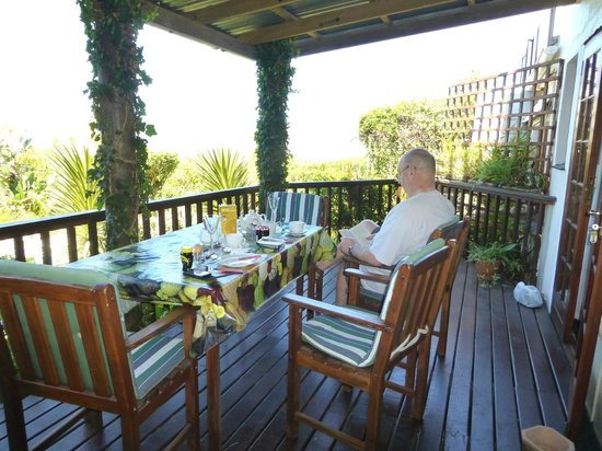 Footprints of Knysna:                   Large shady balcony