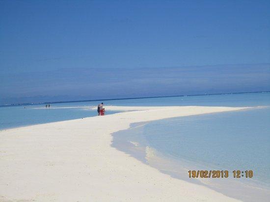 Gangehi Island Resort:                   lingua di sabbia