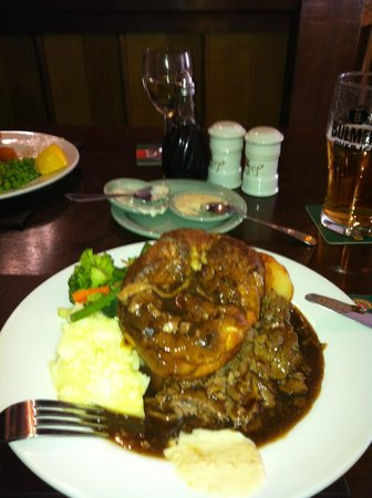 The Gordon Arms - Yarrow :                                     Perfect Roast Dinner