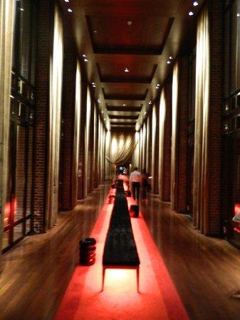 Faena Hotel Buenos Aires: Hallway