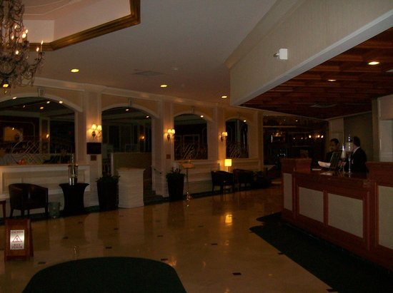 Hilton Woodcliff Lake: Lobby Areas