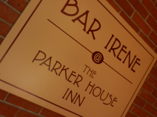 Parker House Inn and Restaurant: Bar Irene at the Parker House Inn