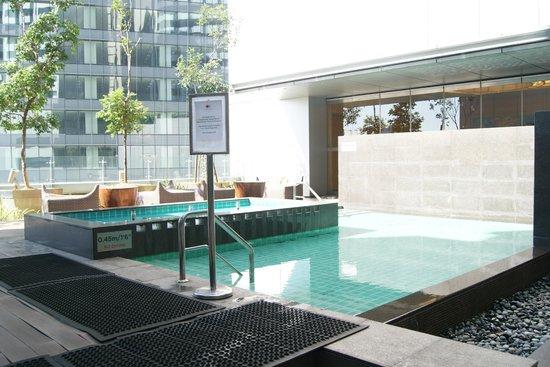 DoubleTree by Hilton Kuala Lumpur:                                     Swimming Pools