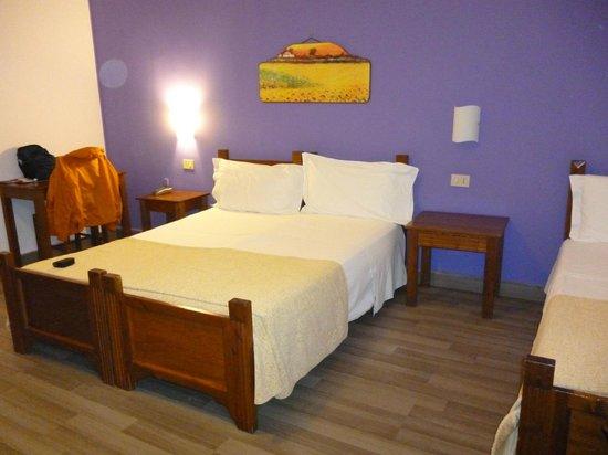 Hotel Tonic:                                     Room 305