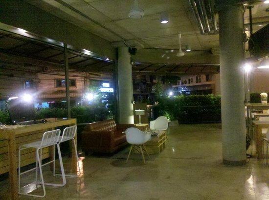 The Warehouse Bangkok:                   Open lounge