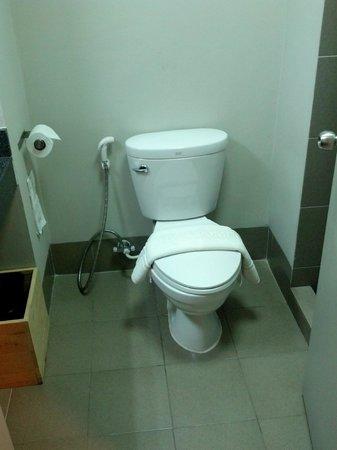 The Warehouse Bangkok:                   Toilet