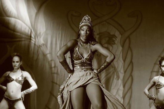 Hotel Riu Lupita:                   Dance Show at Riu Lupita