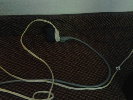 Sleep Inn North Knoxville:                   3 prong for the frig is not grounded using standard ext cord