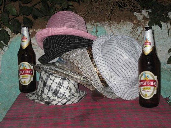O'Pescador:                   Dona Paula hats we bought